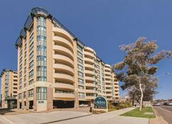 Adina Serviced Apartments Canberra James Court - Canberra - Gebäude