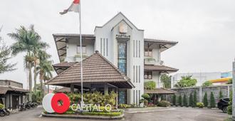 Capital O 874 Hotel Nyland Pasteur - באנדונג