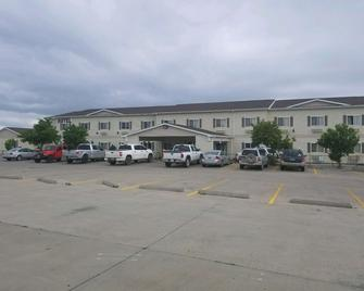 Days Inn & Suites by Wyndham Williston - Williston - Toà nhà