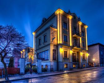 Hotel Palac Wisniewski - Piekary Śląskie - Building