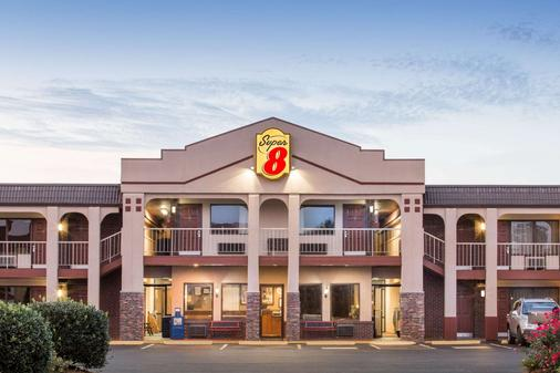 Super 8 by Wyndham Wytheville - Wytheville - Building