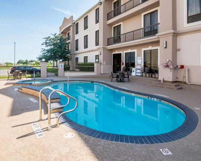 Comfort Suites Houston West at Clay Road - Houston - Pool