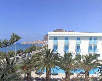 Hotel Tourist - Cefalù - Building