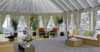 貝斯特韋斯特皇家酒店 - 聖赫利爾 - 聖海利爾 - 大廳