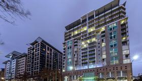 Oaks Embassy - Adelaide - Building