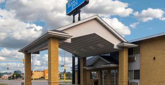 Rodeway Inn Fargo - Fargo - Building
