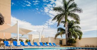 Fiesta Inn Tuxtla Gutierrez - Tuxtla Gutiérrez - Pool
