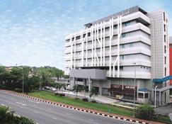 Badi'ah Hotel - Bandar Seri Begawan - Building