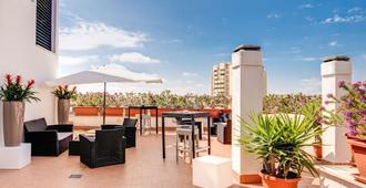 Warmthotel - Rome - Building