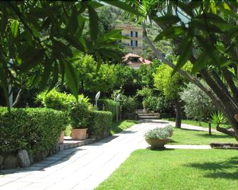 Hotel Parco - Stabie - Outdoors view