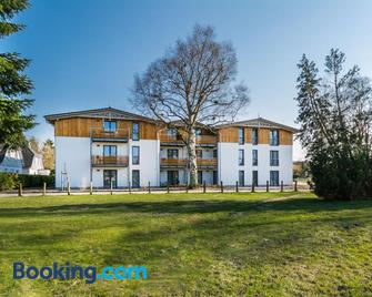 Apartmenthaus Am Park - Prerow - Gebouw
