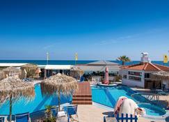 Aeolos Beach - Mália - Zwembad