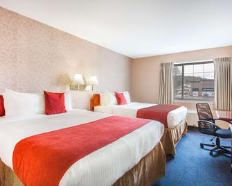 Ramada by Wyndham 100 Mile House - 100 Mile House - Schlafzimmer