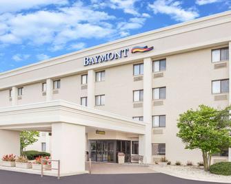 Baymont by Wyndham Janesville - Janesville - Gebouw