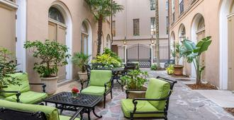 St. James Hotel New Orleans Downtown (French Quarter Area) - Nueva Orleans - Patio