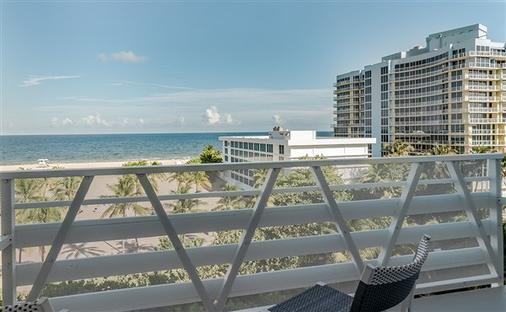 B Ocean Resort - Fort Lauderdale - Balcony