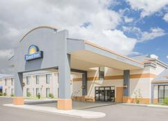 Days Inn by Wyndham Hattiesburg MS - Hattiesburg - Κτίριο