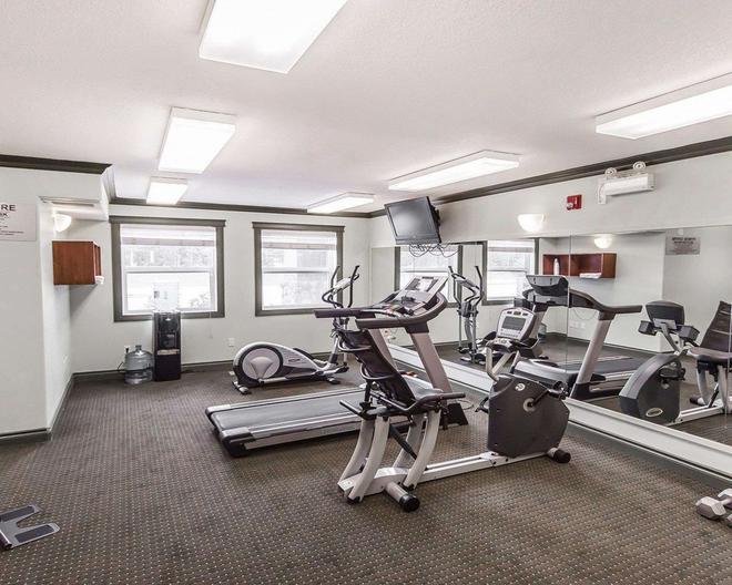 Quality Inn & Suites - Hinton - Gym