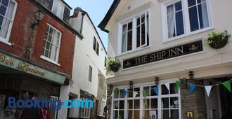 The Ship Inn - Fowey - Building