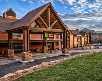Holiday Inn Express Springdale - Zion National Park Area, An Ihg Hotel - Springdale - Gebouw