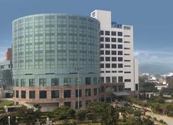 Savoy Suites, Greater Noida - Greater Noida - Κτίριο