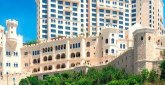 The Castle Hotel, a Luxury Collection Hotel, Dalian - דאליין - בניין