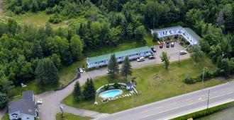 Motel Clair Mont - Sainte-Agathe-des-Monts - Vista del exterior