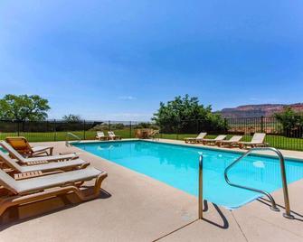 Rodeway Inn - Kanab - Pool