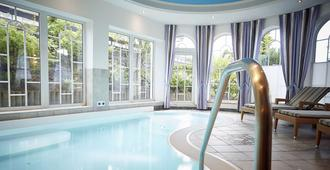 جوبيلز لاند هوتل - Willingen - حوض السباحة