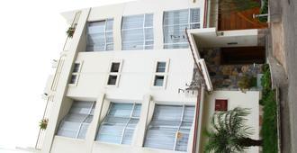 Taymi Hostal - טרוחיו - בניין