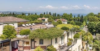 Admiral Hotel Villa Erme - Дезенцано-дель-Гарда - Балкон