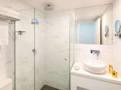 Ibis Sydney World Square - Sydney - Bathroom