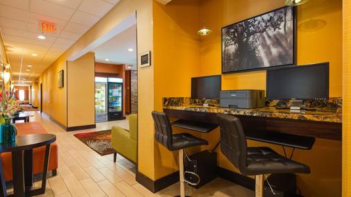 Best Western Plus Whitewater Inn - Harrison - Business Center