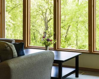 The Creamery Inn - Menomonie - Living room