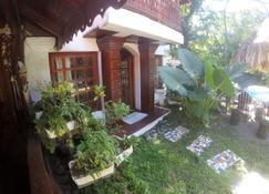 The Lotus Garden - Puerto Viejo de Talamanca - Näkymät ulkona