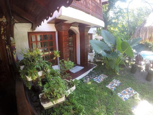 The Lotus Garden - Puerto Viejo de Talamanca - Cảnh ngoài trời