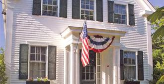 The Ashley Inn - Edgartown - Building