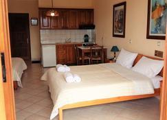 Philippos Hotel Apartments - Nikiana - Bedroom