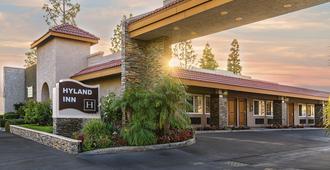 Hyland Inn Brea - Brea - Building