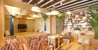 Guest House Chura Cucule Ishigakijima - Ishigaki - Lobby
