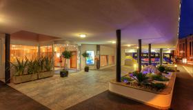 Hotel Delfino - Lugano - Toà nhà
