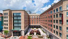 Courtyard by Marriott Richmond Downtown - Richmond - Building