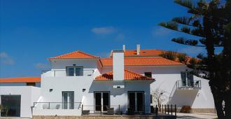 Silver Seahorse Garden Retreat - Peniche - Building