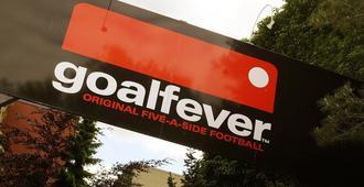 Goalfever Sports & Guesthouse - Hostel - Essen
