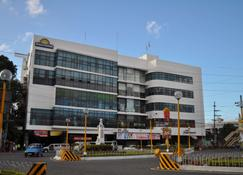 Days Hotel by Wyndham Iloilo - Iloilo City - Building