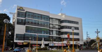 Days Hotel Iloilo - Iloilo City
