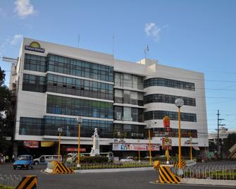 Days Hotel Iloilo - Iloilo City - Building