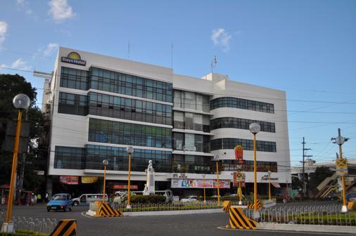 Days Hotel by Wyndham Iloilo - Iloilo City - Rakennus