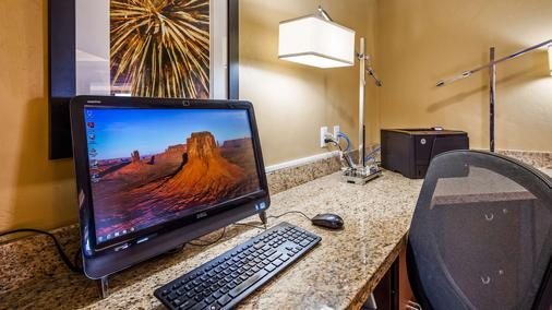 Best Western View of Lake Powell Hotel - Page - Business centre