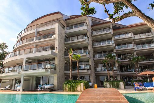 Double-Six Luxury Hotel - Kuta - Building
